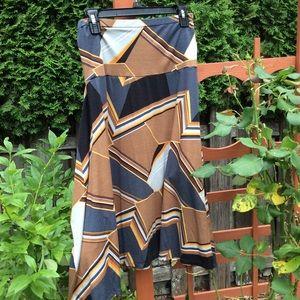 Estan Futura skirt. Moda premama abstract design